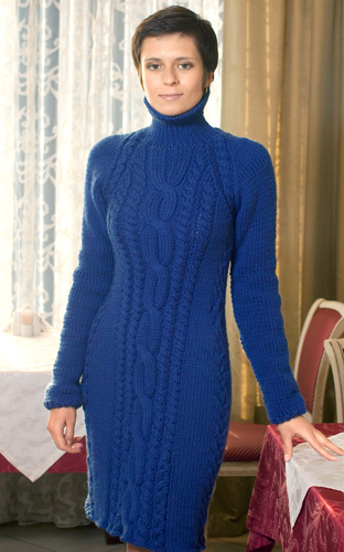 Синее платье с косой и жгутами - Портал рукоделия и моды