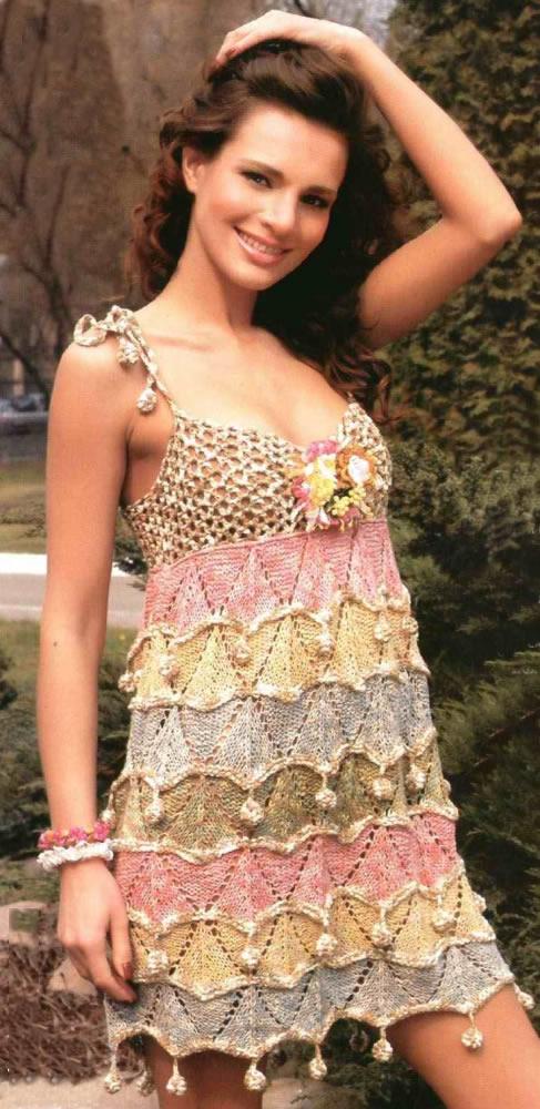 Платье крючком с шишечками