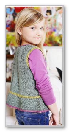 вязаный жилет для девочки по схеме вязания спицами
