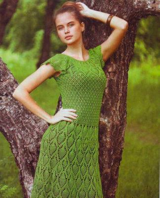 Зеленое женское платье крючком с Ананасами схемы с описанием