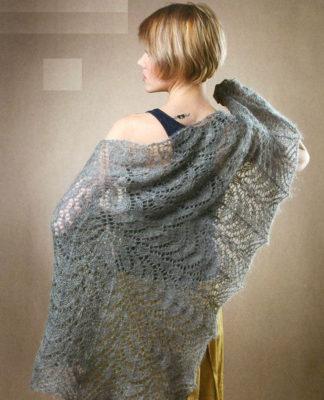 Ажурная шаль спицами из мохера