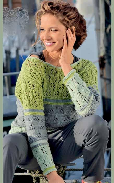 Полосатый пуловер спицами с ажурным узором