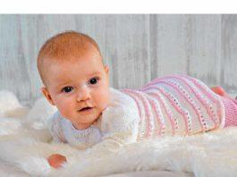 Вязаное платьице и штанишки для девочки