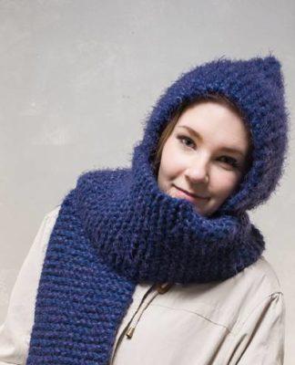 Вязаный шарфик спицами с капюшоном