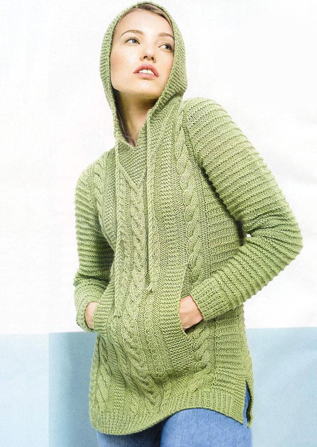 Удлиненный пуловер спицами с капюшоном и карманами