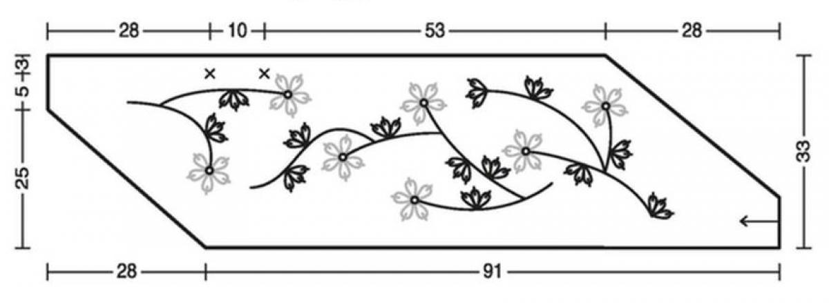 Вязаная накидка с вышивкой из цветов