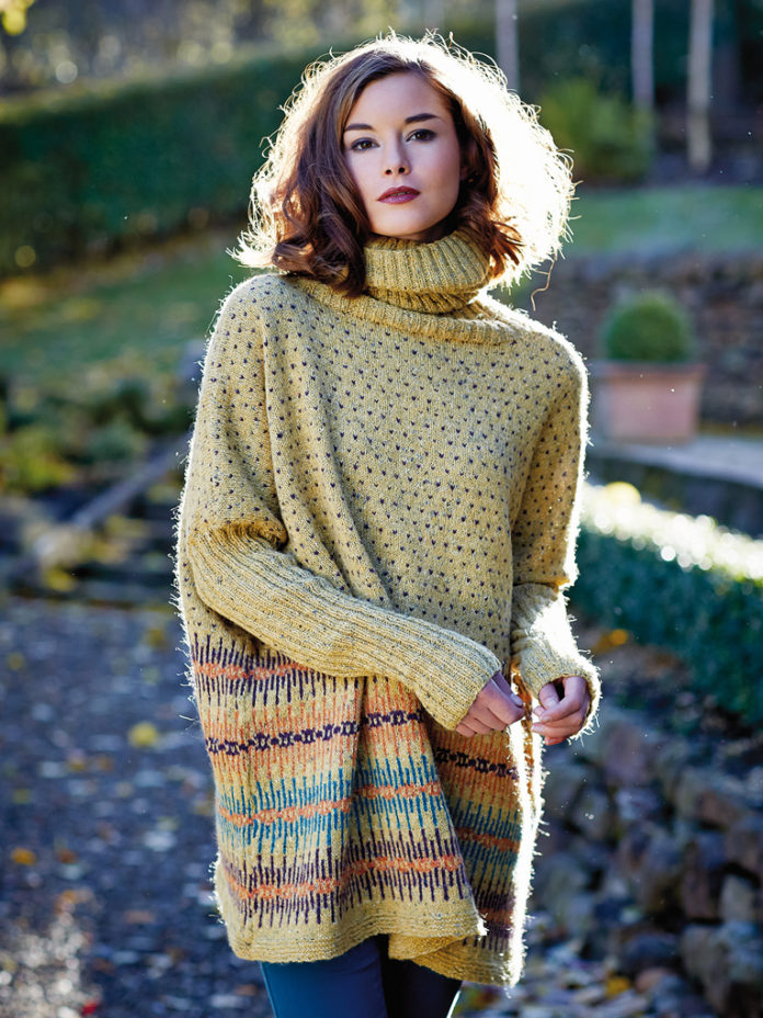 Удлиненный свитер спицами свободного кроя