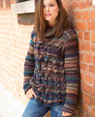 Зимний пуловер спицами из меланжевой пряжи