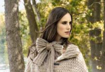 Свободный жакет на пуговицах спицами и шарф
