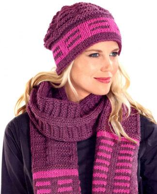 Шапочка и шарф спицами из бордово-розовой пряжи