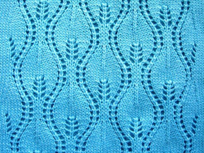 Узорс спицами Листья схема вязания