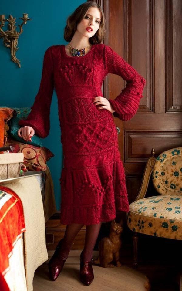 красное платье вязанное спицами