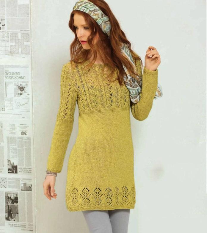 Короткое платье спицами с длинным рукавом