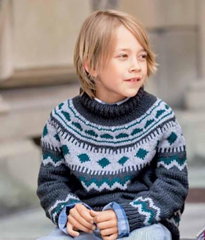 Свитер для мальчика спицами с круглой кокеткой