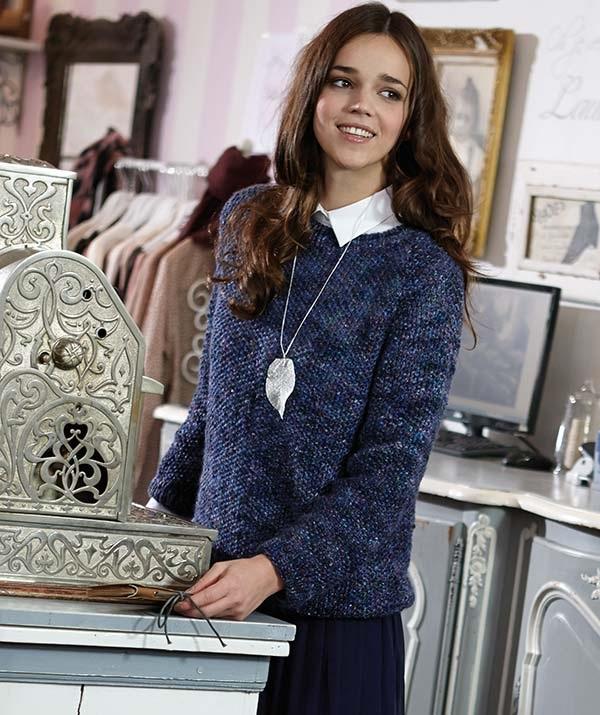 Синий пуловер спицами в классическом стиле схема вязания с подробным описанием для женщин