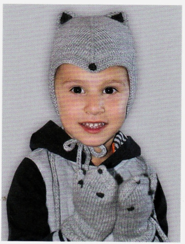 Детский комплект спицами от 1 года до 1,5 лет схема вязания шапочки варежек и манишки спицами для детей с подробным описанием