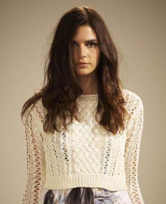 Укороченный пуловер спицами с ажурным узором схема вязания с подробным описанием