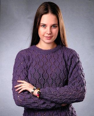 Сиреневый пуловер спицами с ажурным узором схема вязания с подробным описанием