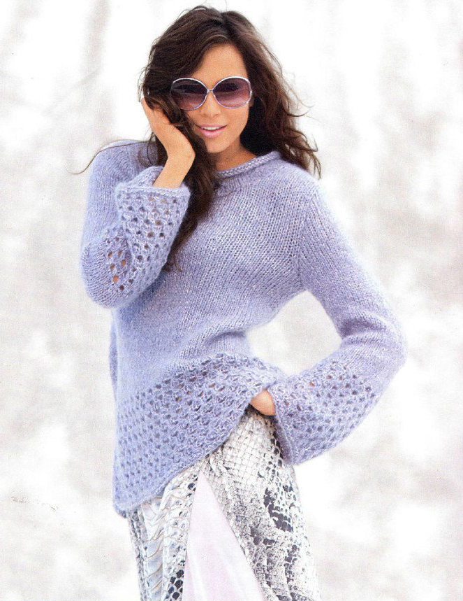 Голубой пуловер спицами с ажурными рукавами клеш схема вязания спицами с подробным описанием