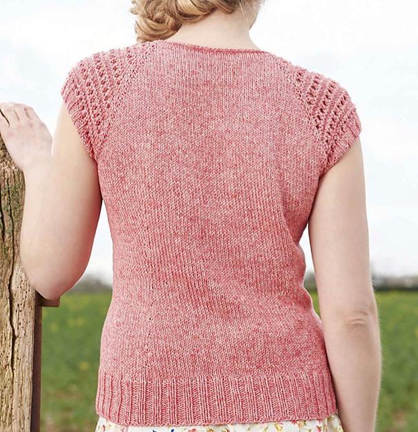 Розовый летний топ спицами с ажурными рукавами схема вязания