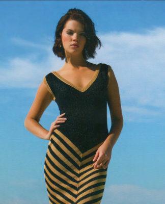 Полосатое платье спицами V-образным вырезом схема вязания спицами с подробным описанием
