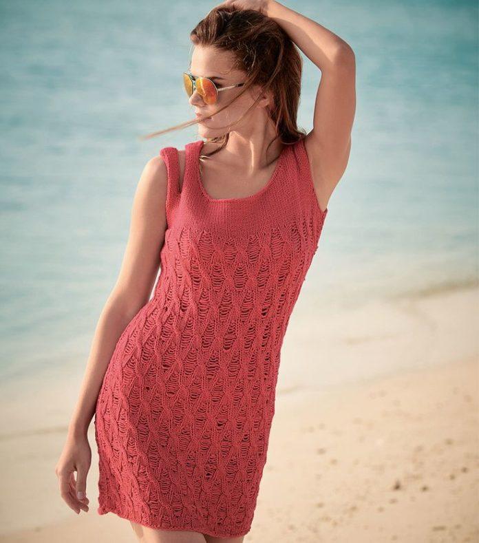 Вязаное платье спицами кораллового цвета на бретелях схема вязания спицами с подробным описанием