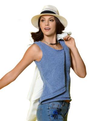 Модный топ спицами с драпировкой на полочке схема вязания с подробным описанием