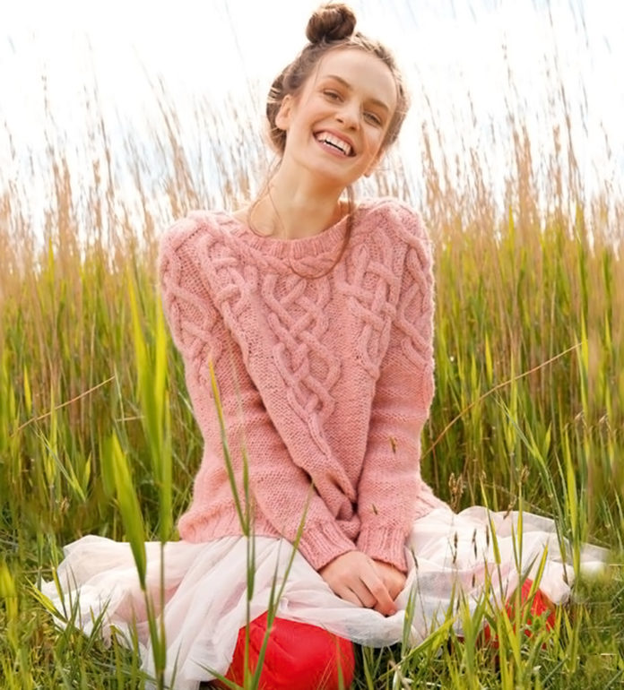 Пуловер спицами с аранами и косами на круглой кокетке схема вязания с подробным описанием