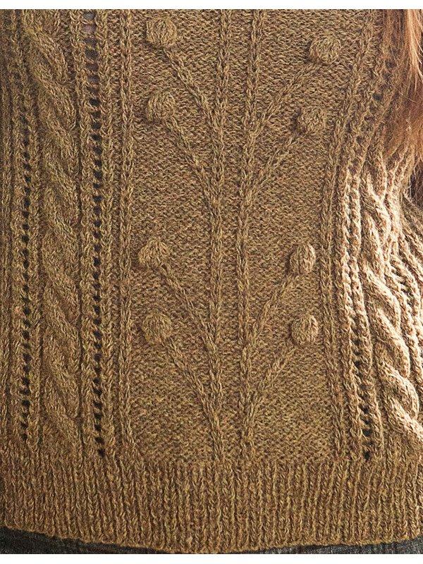 Горчичный пуловер спицами с узором из кос и шишечек узор
