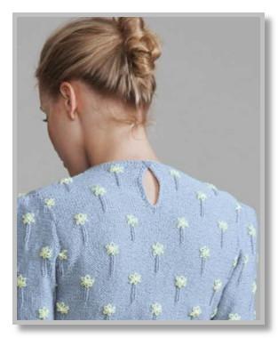 Женская кофточка спицами с вышивкой