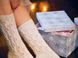 Нежные носочки спицами с ажурным узором схема вязания с подробным описанием