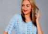 Ажурный топ спицами небесно-голубого цвета схема вязания с подробным описанием для женщин бесплатно