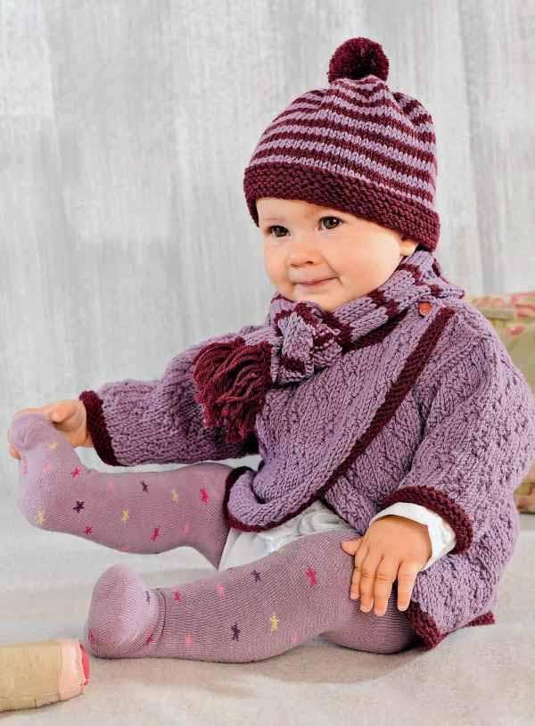 Детский комплект спицами: шапочка, шарфик и свитер