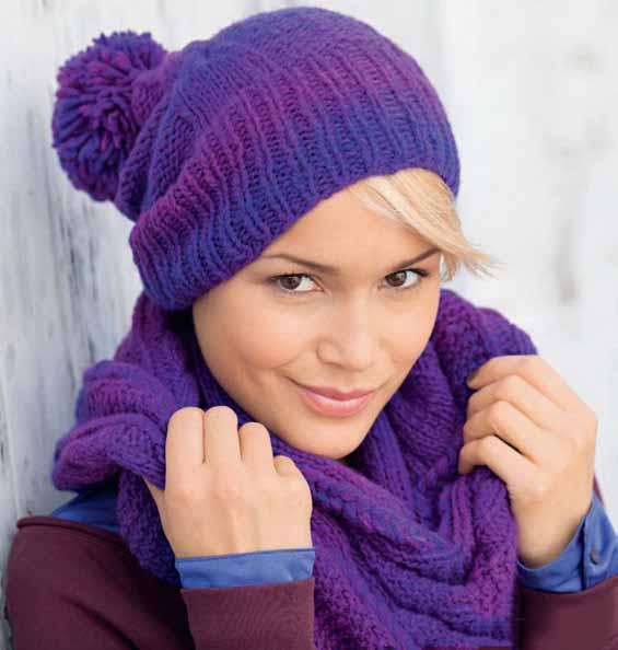Шапка и шарф-хомут спицами из меланжевой пряжи