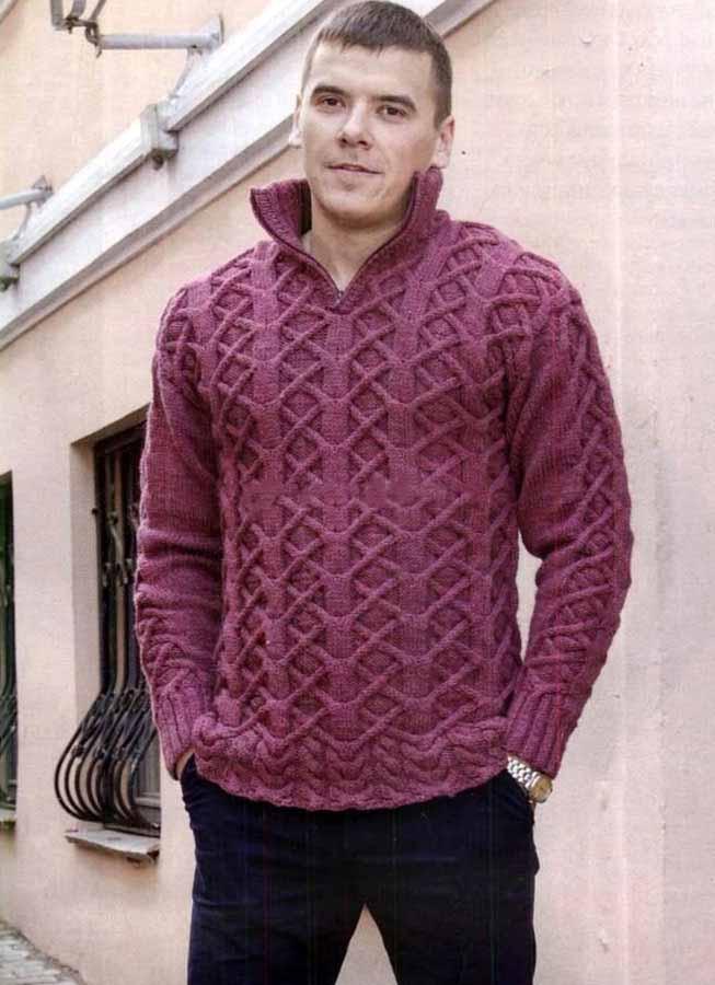 Мужской свитер спицами с воротником стойкой на молнии