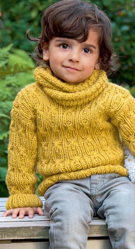 Стильный свитер для мальчика с шарфом