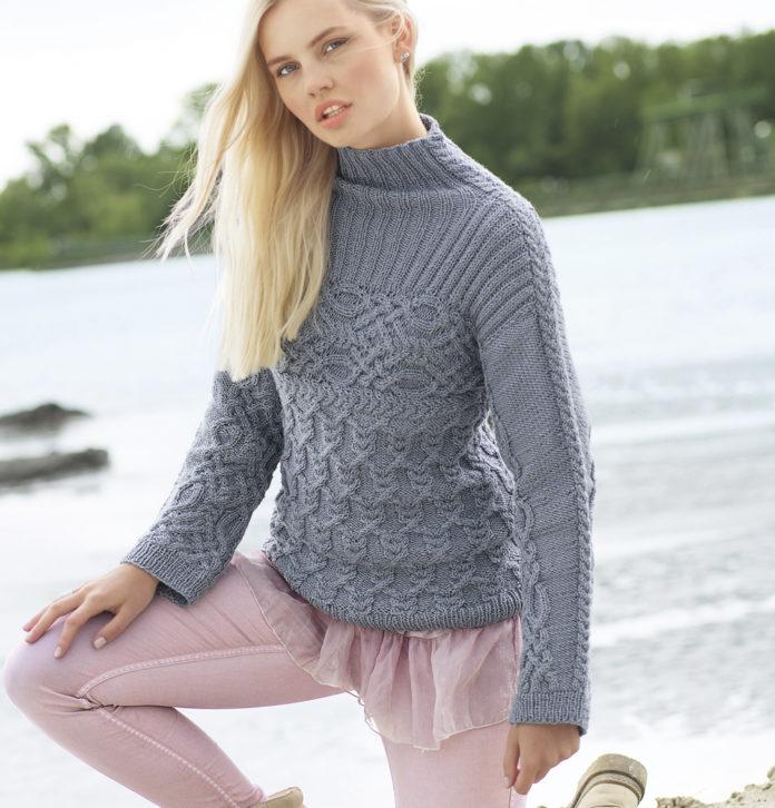 Теплый свитер спицами с узором из кос схема вязания с подробным описанием