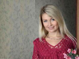 Женственный костюм: пуловер спицами и ажурная жилетка крючком схема вязания с подробным описанием