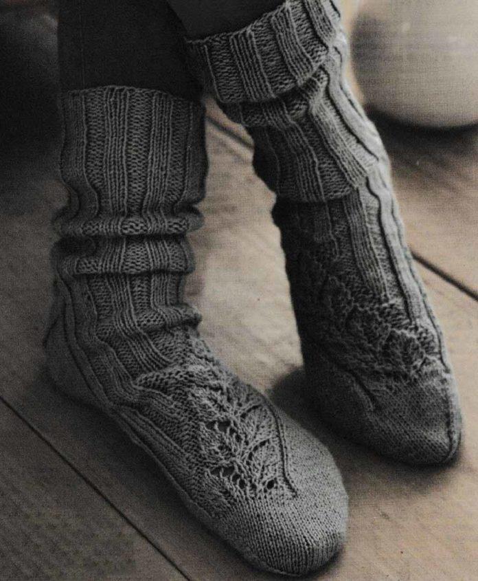 Мужские носки спицами с ажурным узором из листьев схема вязания с подробным описанием бесплатно