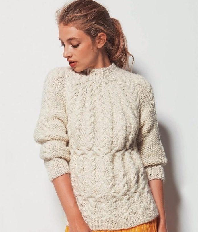 Белый пуловер реглан спицами с узором из кос схема вязания спицами с подробным описанием