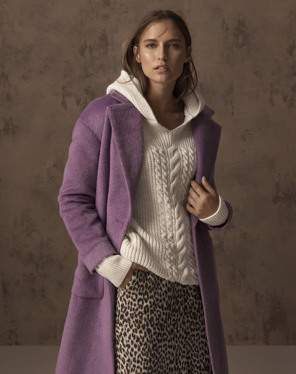 3bb16640051 Модные свитера для женщин спицами 2018-2019 от ведущих дизайнеров и ...