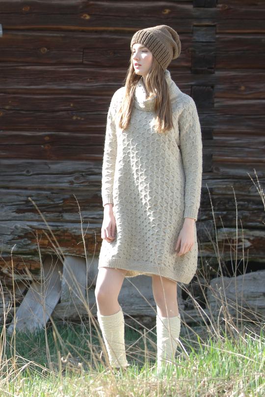 Платье оверсайз спицами с воротником хомут схема вязания с подробным описанием