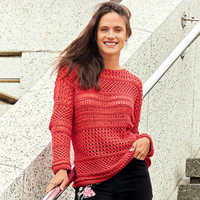 Ажурный пуловер спицами с сочетанием узоров схема вязания с подробным описанием