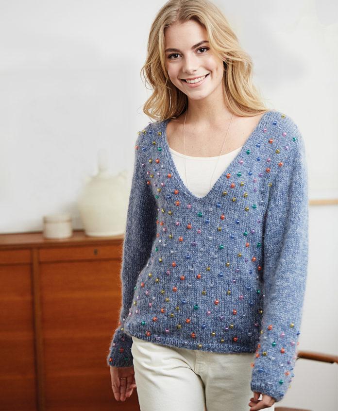 Пуловер с V-вырезом, расшитый бусинами схема вязания с подробным описанием