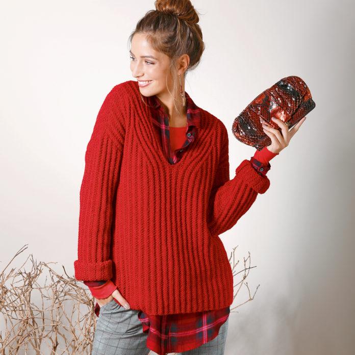 Базовый пуловер спицами c V-образным вырезом схема вязания с подробным описанием