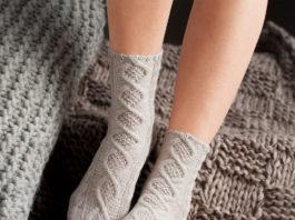 Женские носки с узором из Аранов спицами схема вязания