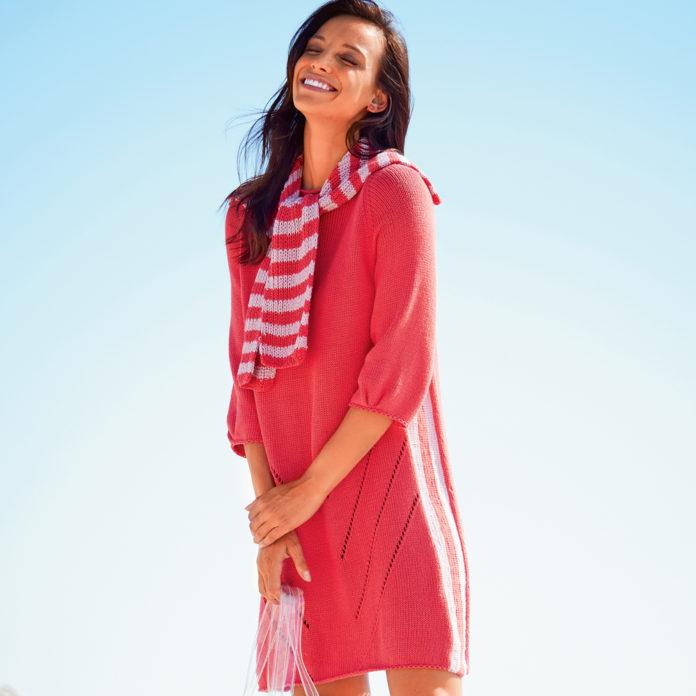 Яркое платье с полосатым воротником спицами схема вязания с подробным описанием