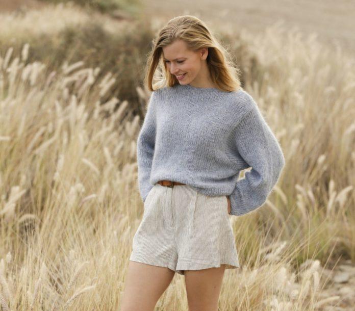Джемпер оверсайз спицами с объемным рукавом схема вязания модного джемпера